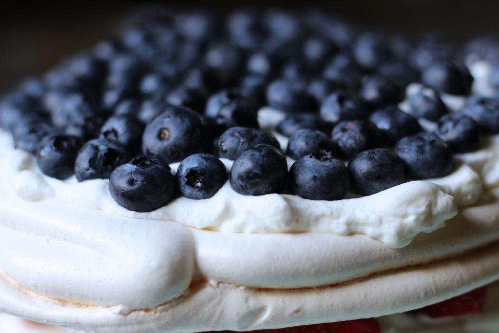 Pavlova Cake - blueberries